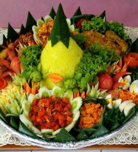 Pesan Nasi Tumpeng Kuning Jakarta